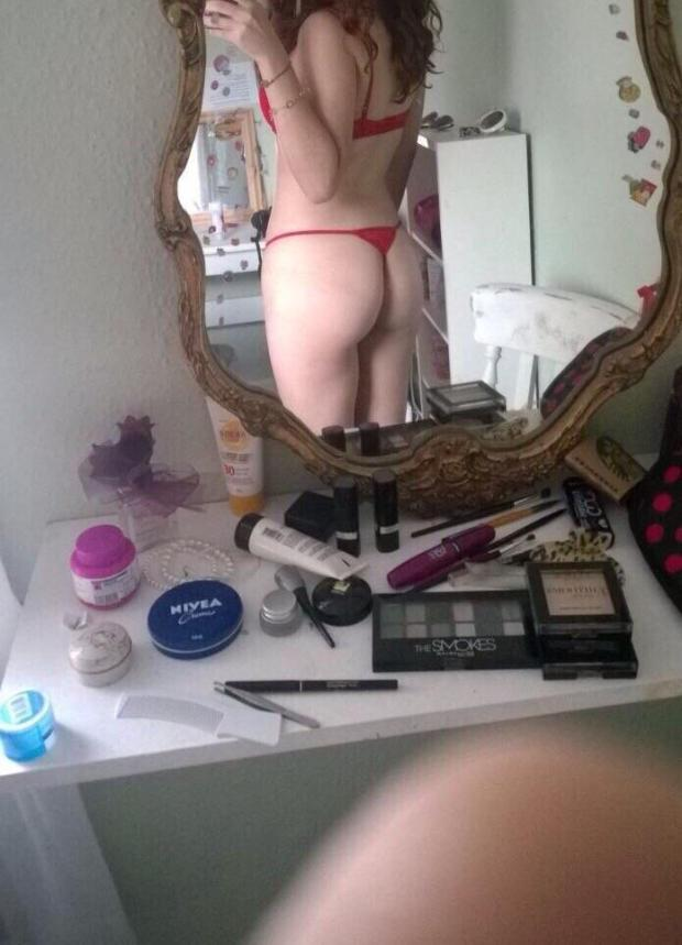 o809cyfcjay01 - I'm quite [F]ond of this pic, despite the blurred finger. What about you? Nude Selfie