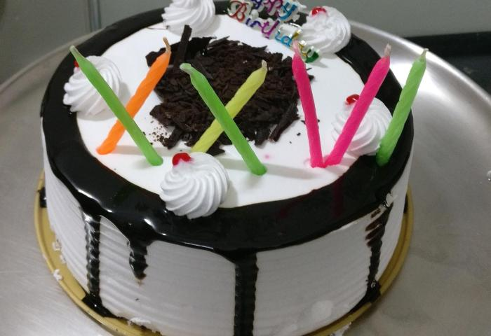Couldnt Find Numeric Candles For A Friends Birthday Cake Switched
