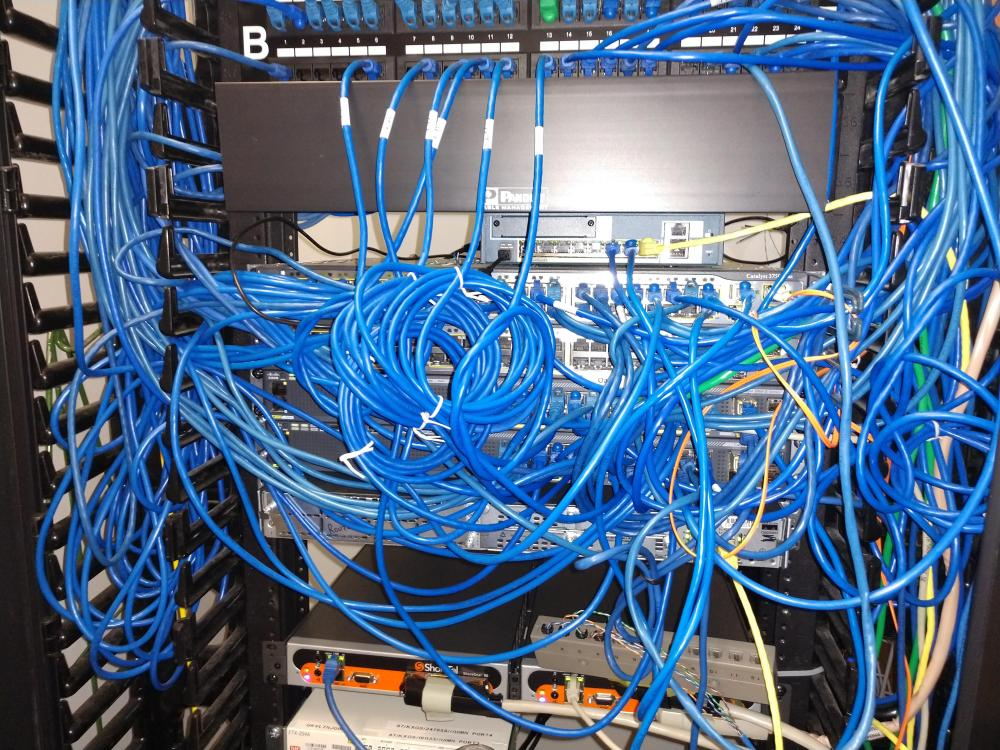 medium resolution of cabling vendors always do neat work