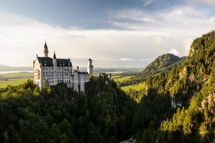 Neuschwanstein Castle, Schwangau, Germany (Photo credit to Jacek Dylag) [4928 x 3280]