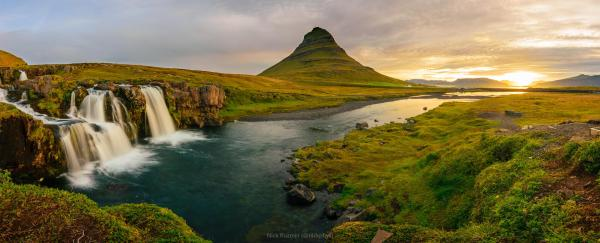 iceland landscapes straight