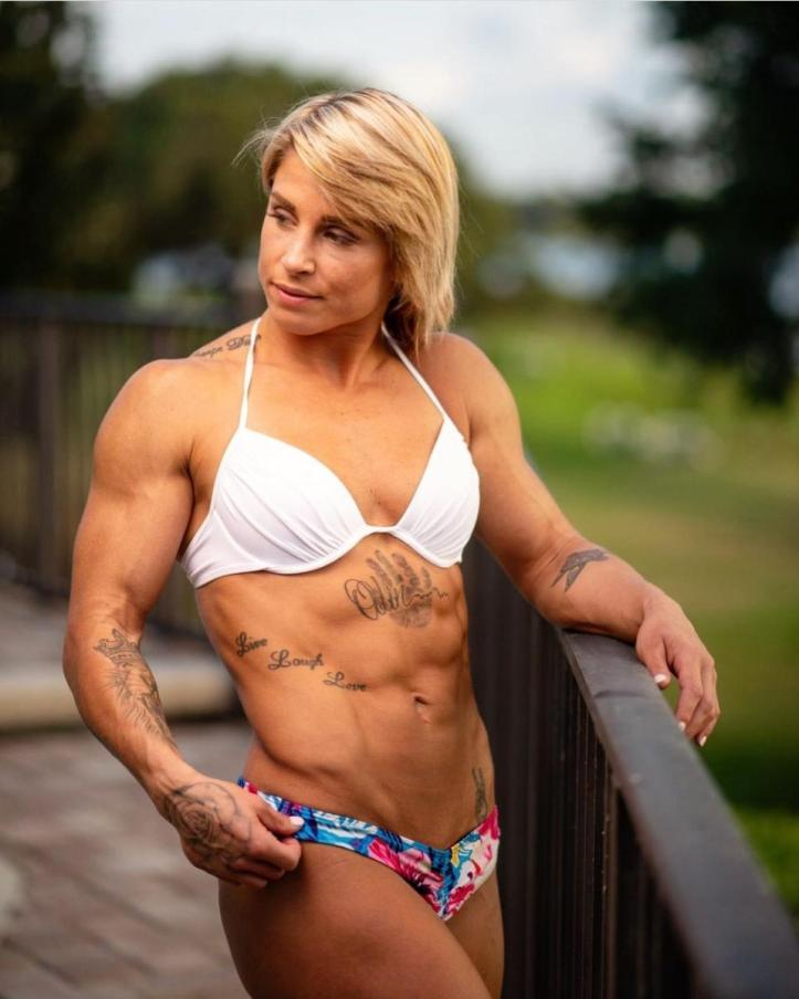 Do you dare doubt the natty physique of a strong woman?   Belbita vs Goldy
