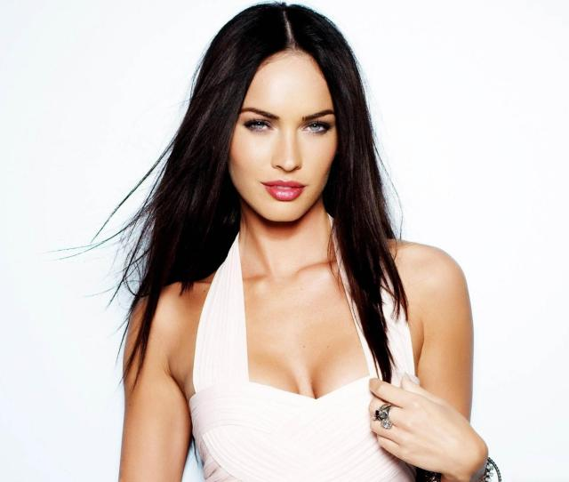 Megan Fox Look Sexy In White Dress Sexymeganfox