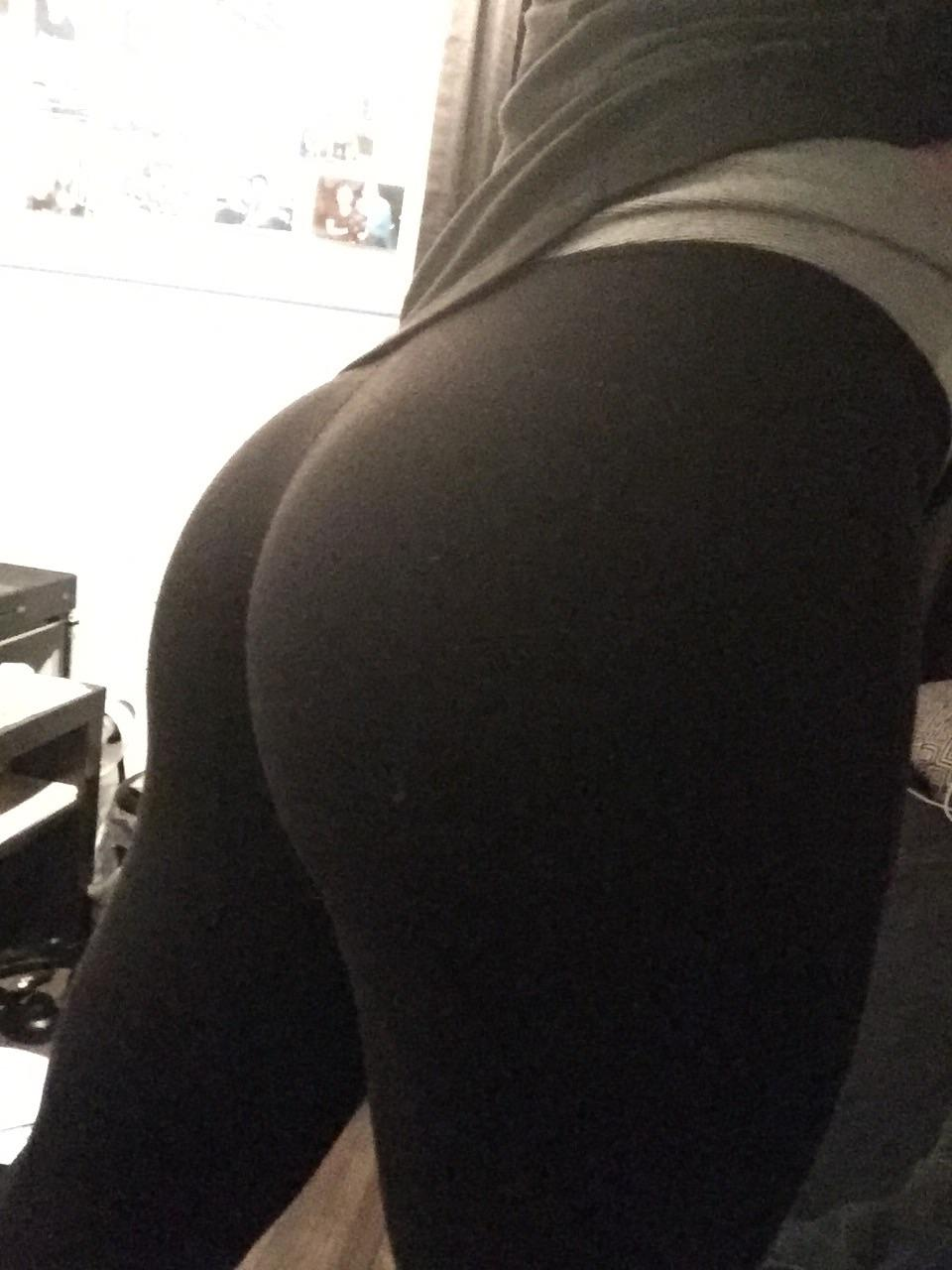 Yogapants Reddit : yogapants, reddit, LuLuLemon, Pants,, Scared, Thoughts, Crossdressing