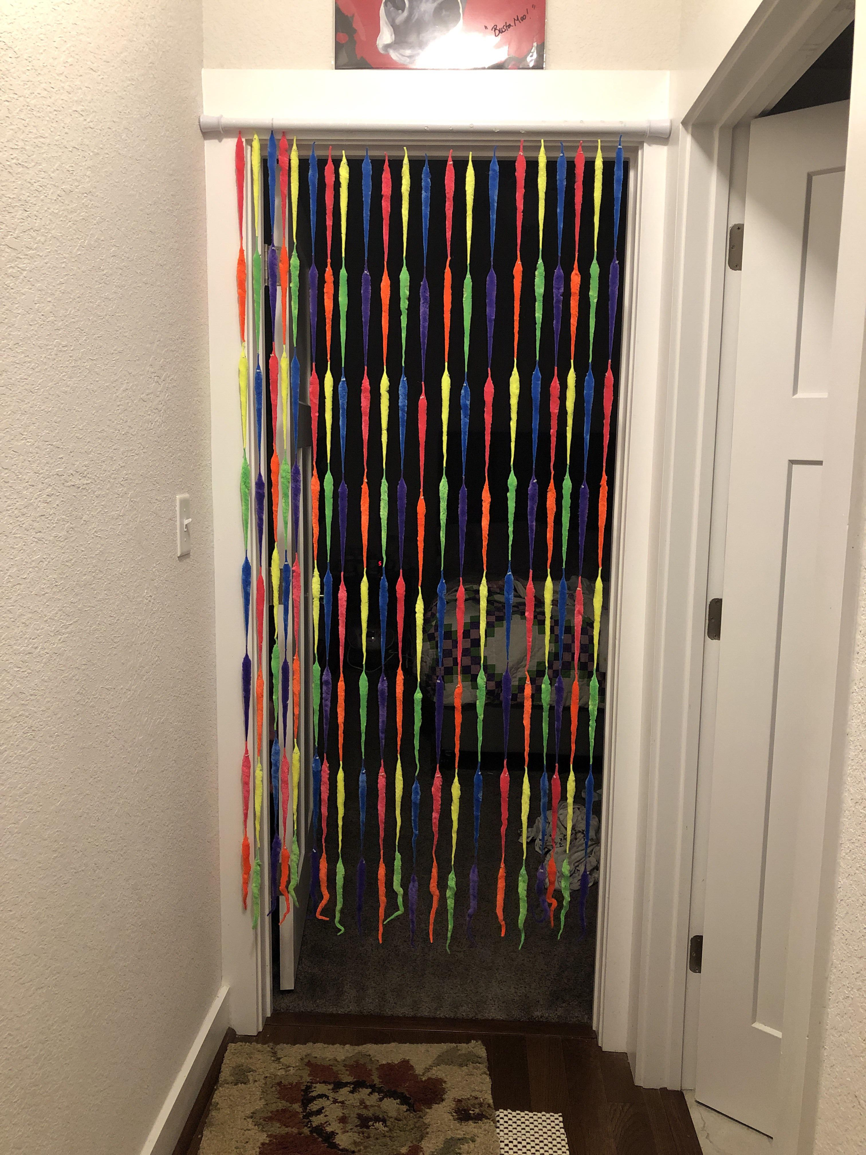 i made a curtain of worm on a strings