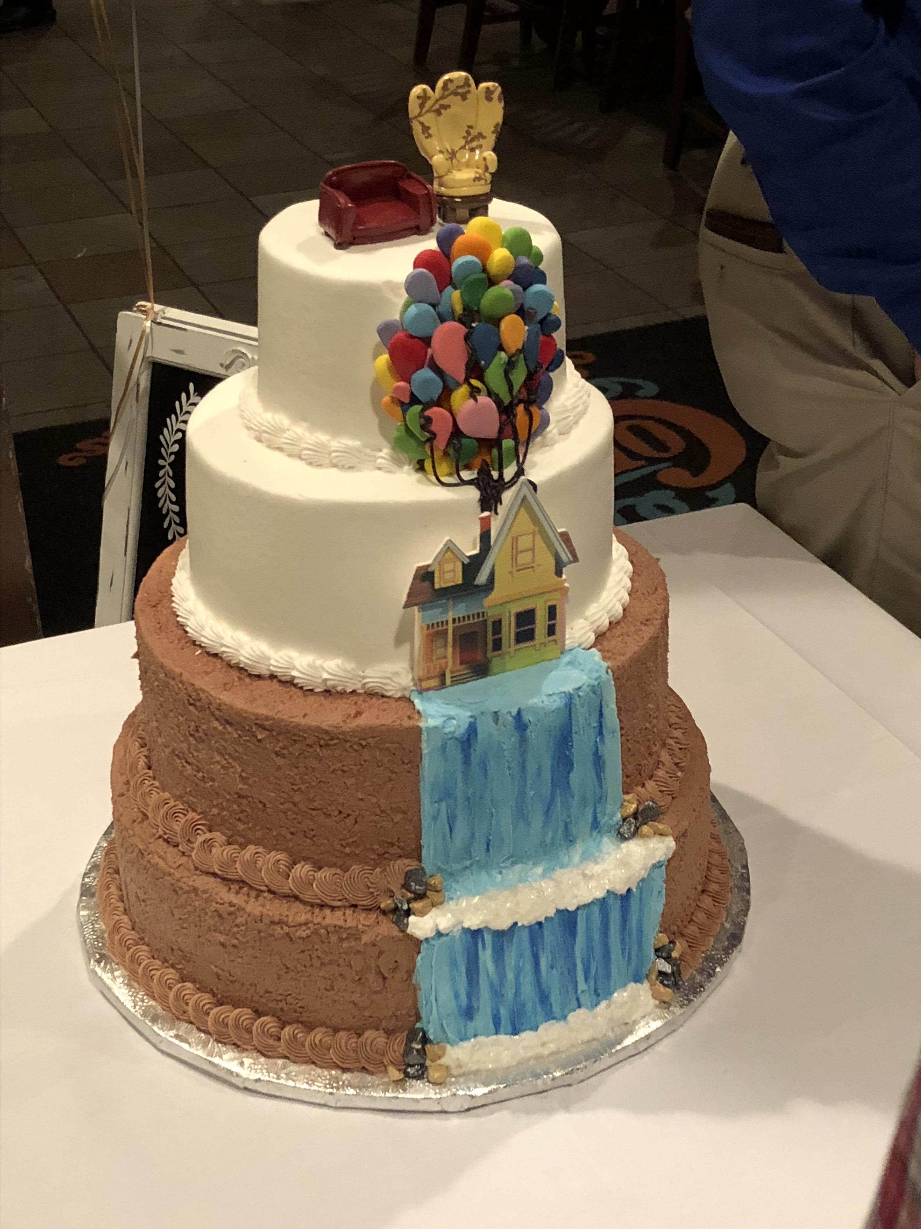 Rehearsal Dinner Cake : rehearsal, dinner, Friends, Their, Wedding, Rehearsal, Dinner!, Disney