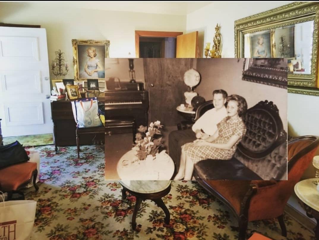 My grandmother's living room 1960 vs 2020 : pics
