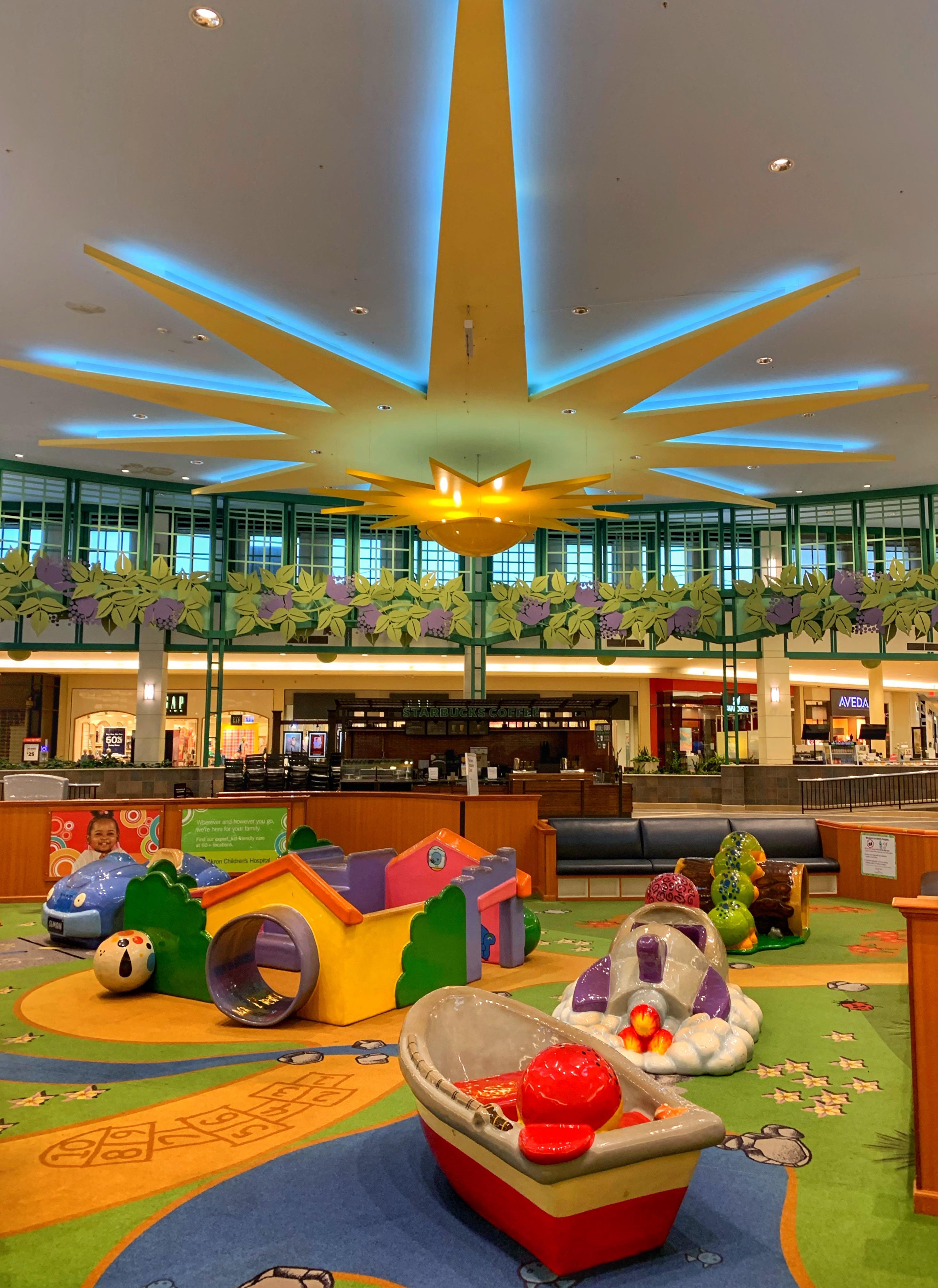Summit Mall Food Court : summit, court, Summit, Mall,, Akron,, Ohio., March, 2020., Deadmalls