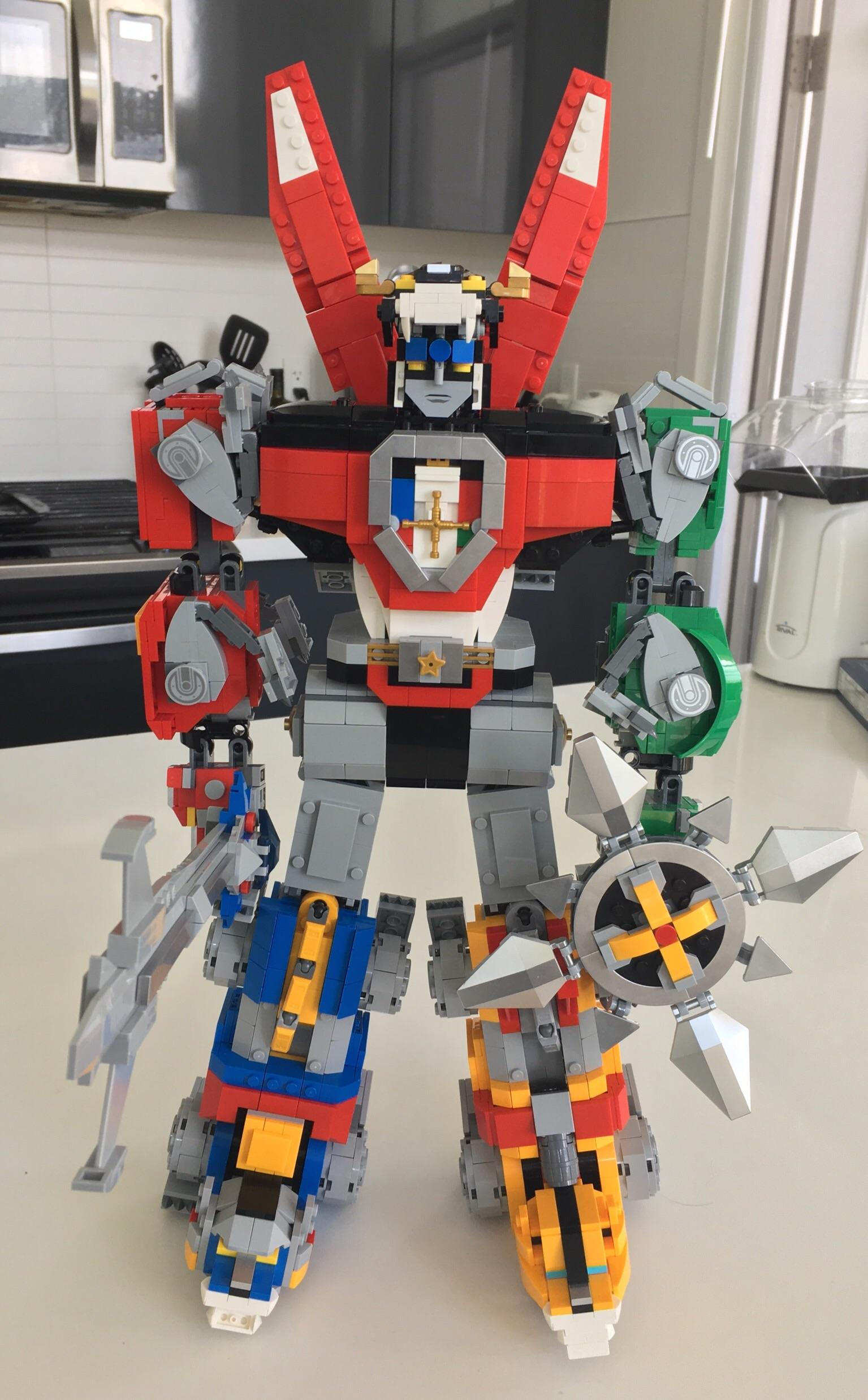 Live Wallpaper Iphone 6s Completed Lego Voltron Set And A Popcorn Maker Voltron