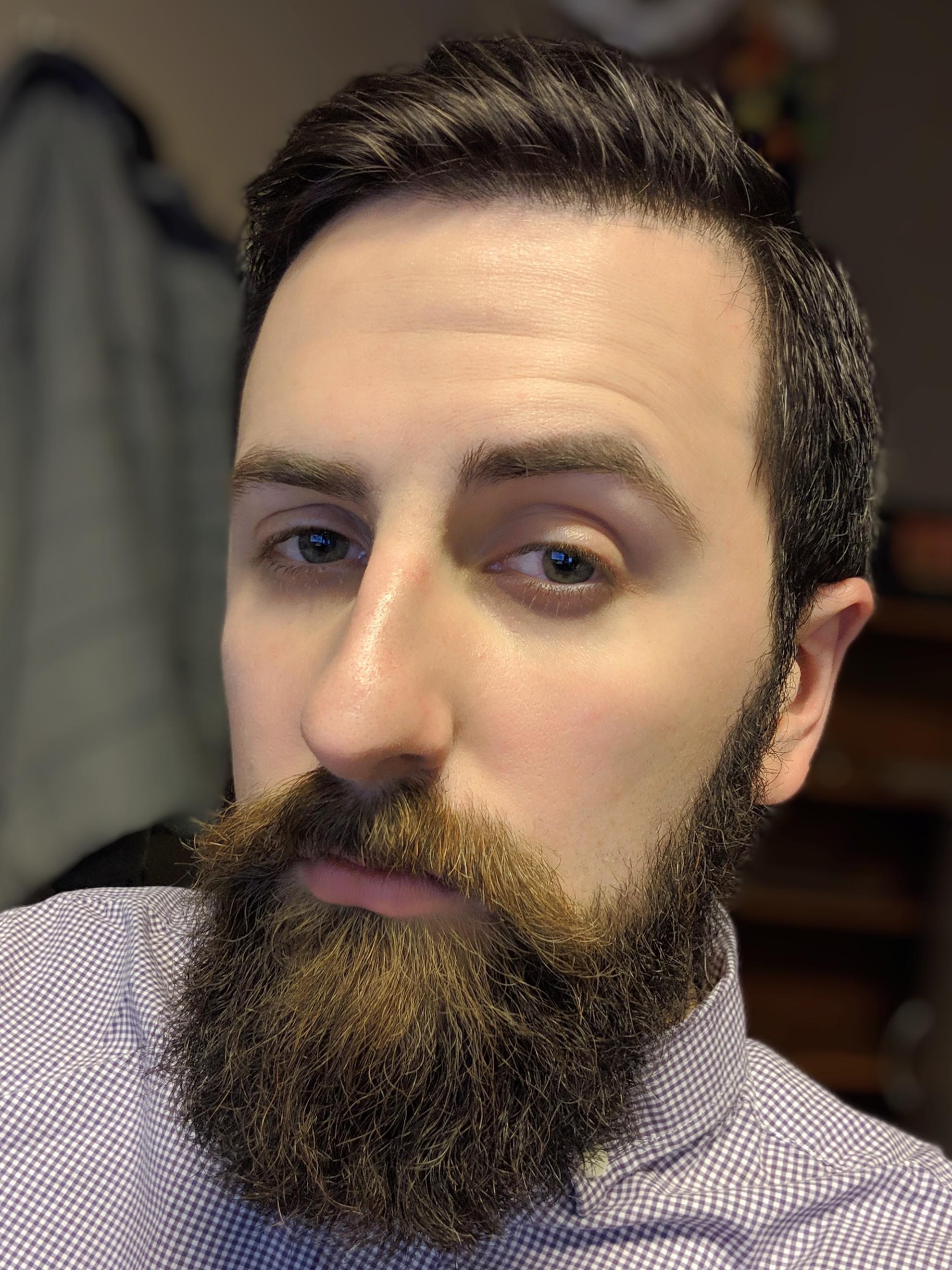 Raise One Eyebrow : raise, eyebrow, Smile,, Narrow, Slightly,, Raise, Eyebrow,, Beard., Perfect, Selfie., Beards