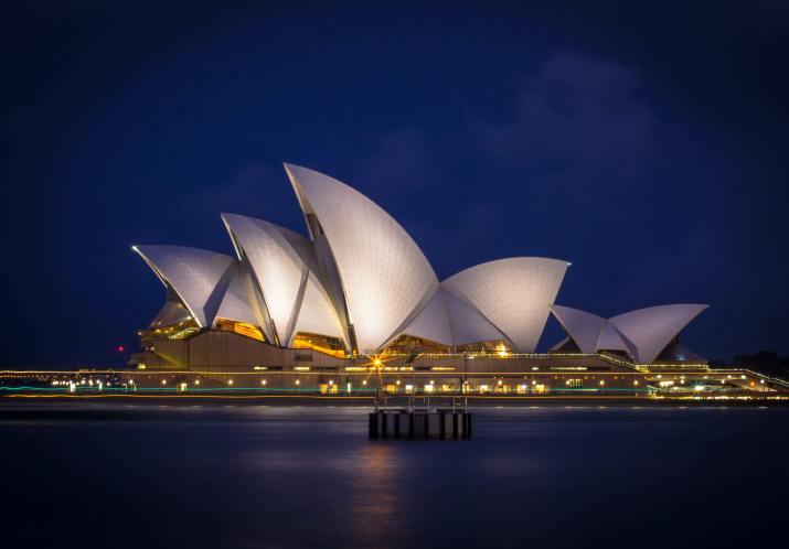 Sydney Opera House (Photo credit to Photoholgic – Unsplash) [4830 x 3370]