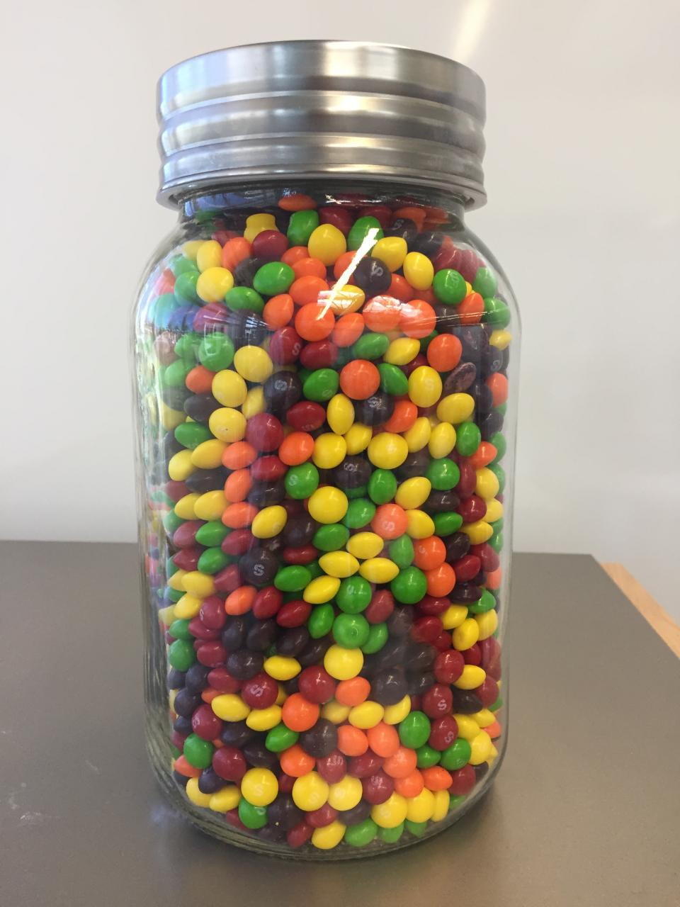How many Skittles are in the jar? - ppt download