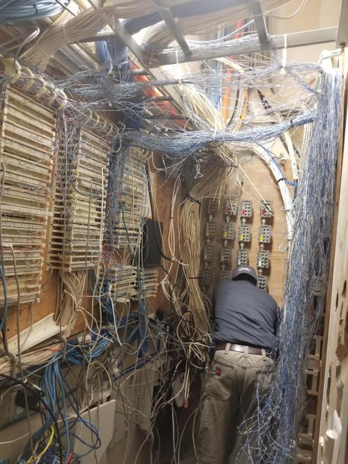 small resolution of the comcast guy was trying to see why my units internet wasn t working