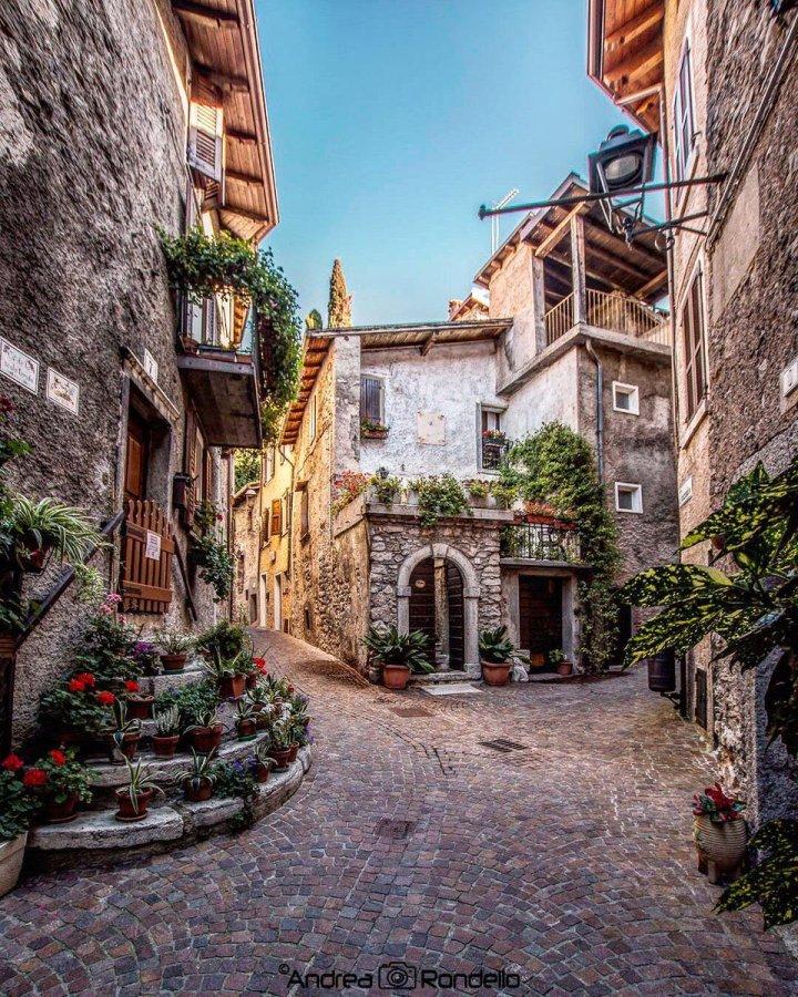 Tremosine sul Garda, Lombardy Italy (Photo credit to Andrea Randella)