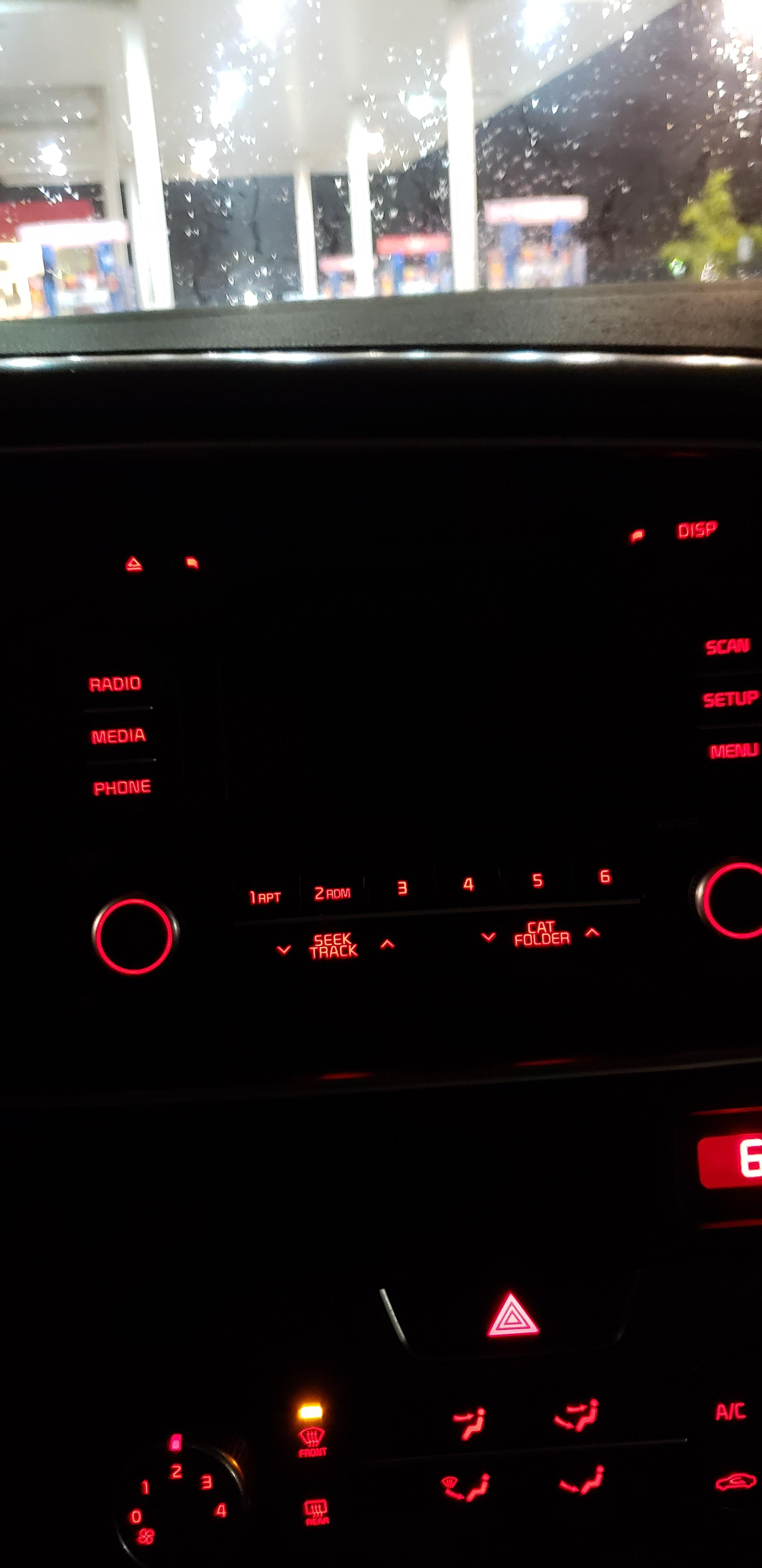 Car Radio Screen Blank Problem : radio, screen, blank, problem, Radio, Optima, Dead., Turned, Leave, Today, Noticed, Screen, Completely, Black., Theres, Sound, Anything