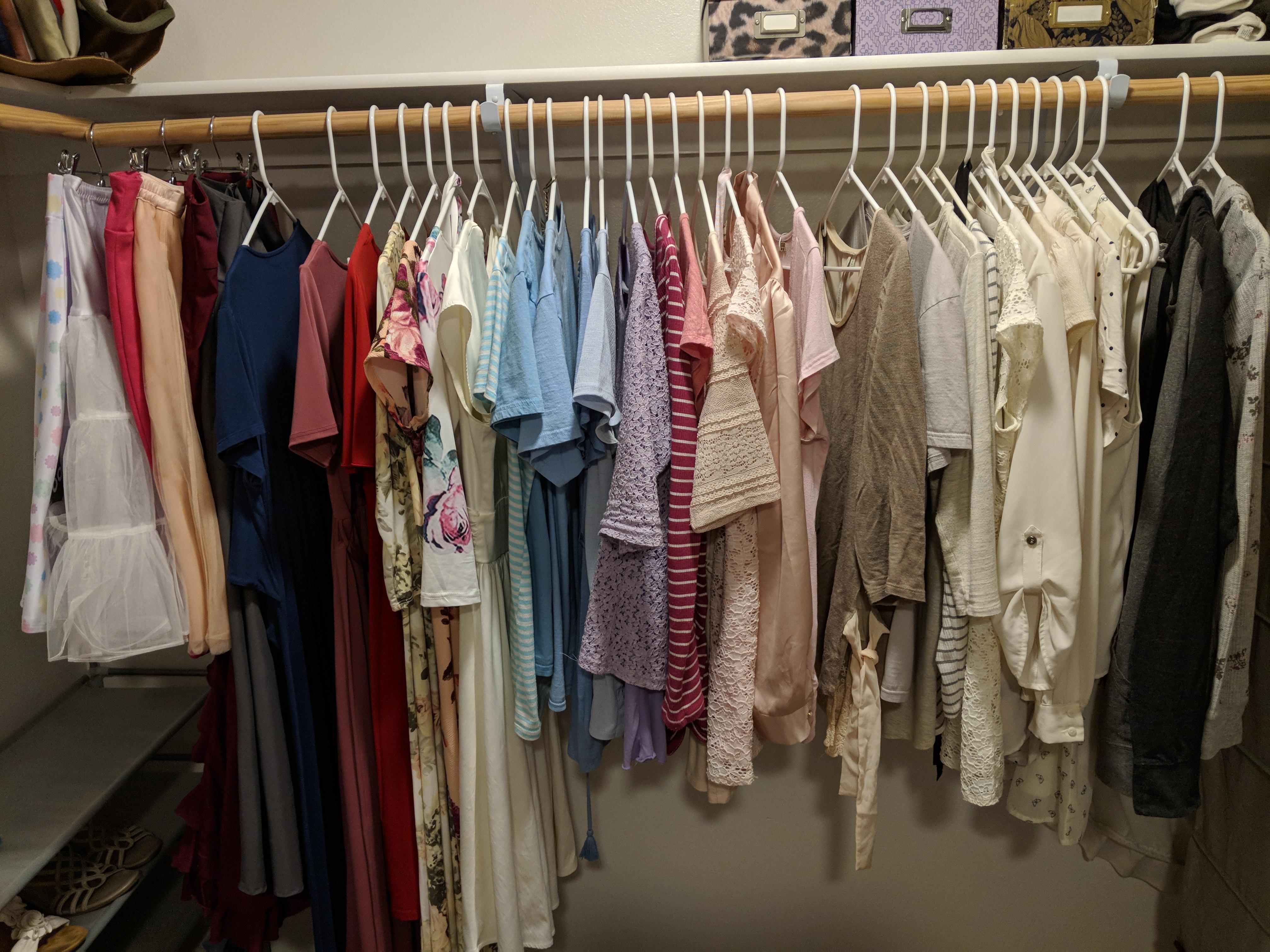 Color coordinated my closet : konmari