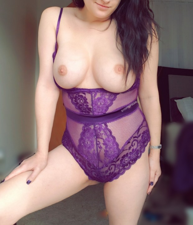 xvsnel0hrsg21 - These DD's are Doubly Delicious 😜💜 Nude Selfie