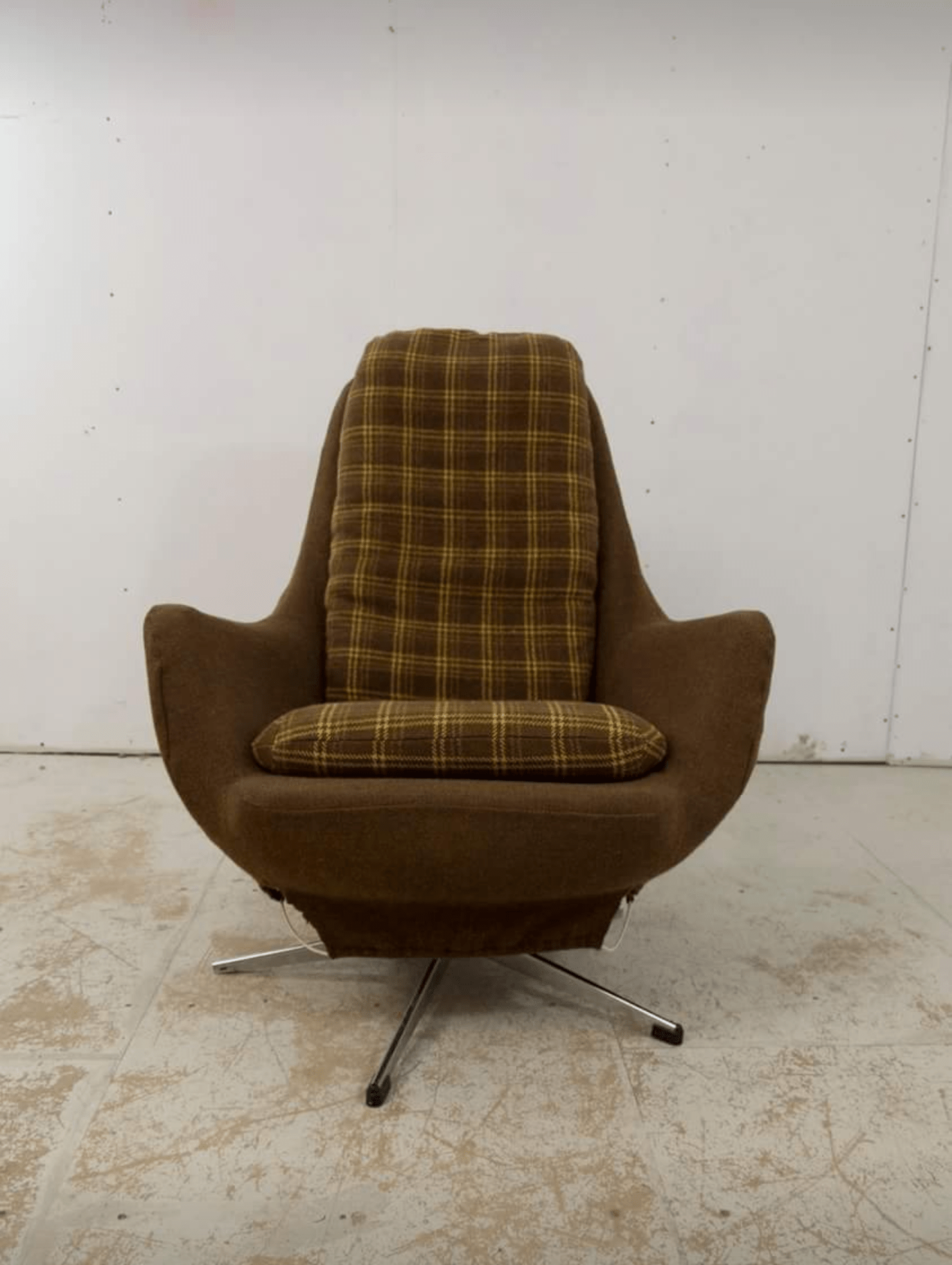 Reupholster Egg Chair Im Going To Be Reupholstering An Egg Chair And Would Like Pointing