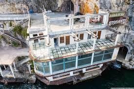 Abandoned Albergo Ristorante Casa della Trota Tips for explorers  italy