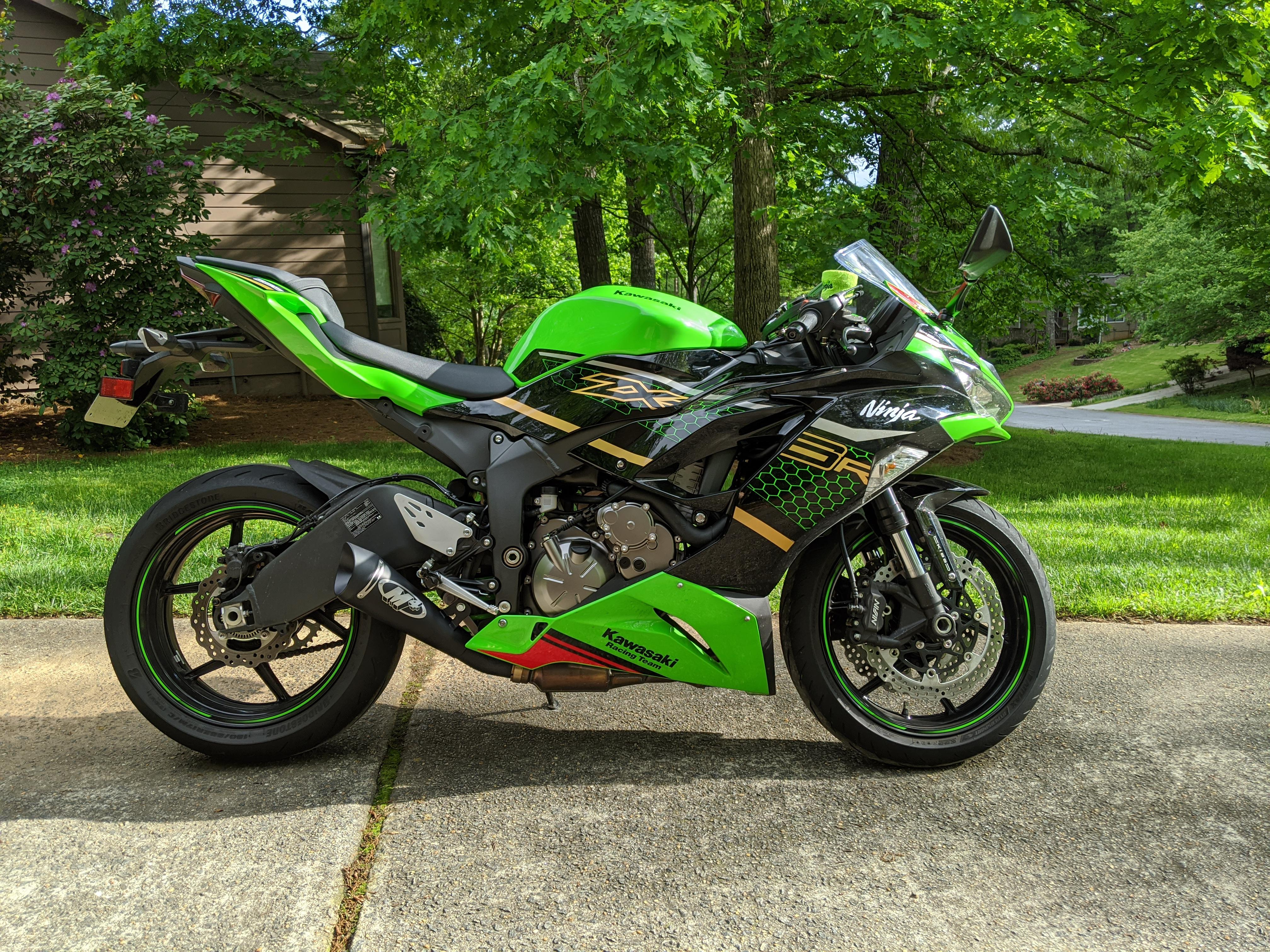 exhaust on my 2020 zx 6r krt edition zx6r