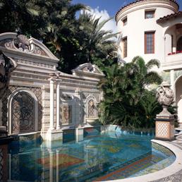 AAA a Miami vendesi Villa Versace acquirente milionario torner sul luogo del delitto  Il
