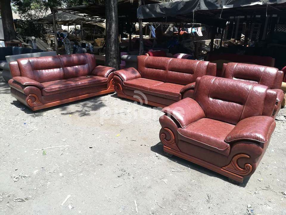 Sofas, tables, office desks, office chairs, decor, carpets, outdoor furniture. 5 Seater Crescent Leather Sofa Set in Nairobi | PigiaMe