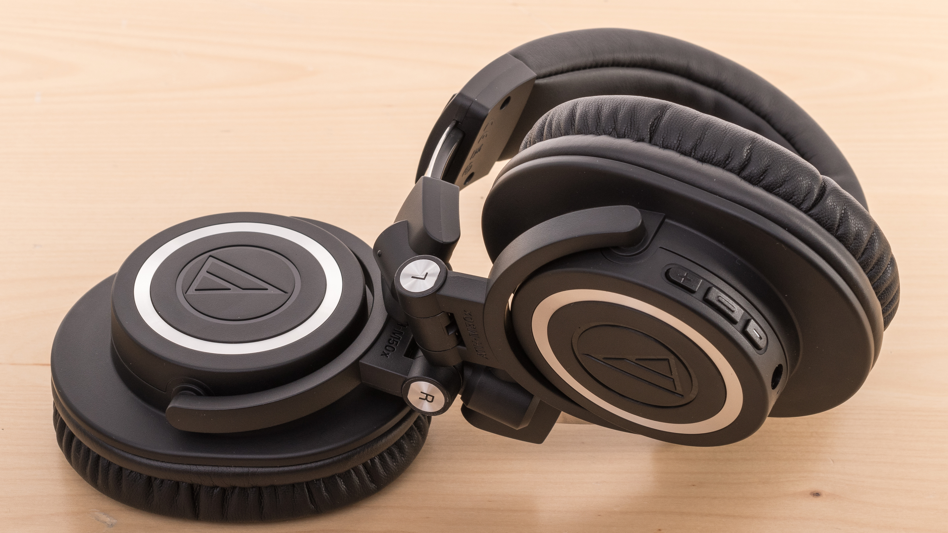 Audio-Technica ATH-M50xBT Review - RTINGS.com