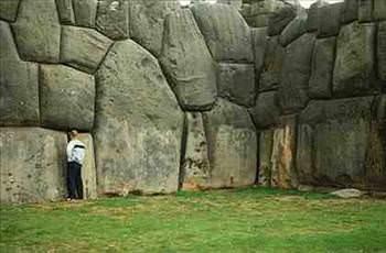 piramit_yan2_d Doğaüstü& açıklanamayan olaylar...