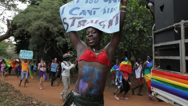 De ley: Uganda encerrará de por vida a los homosexuales