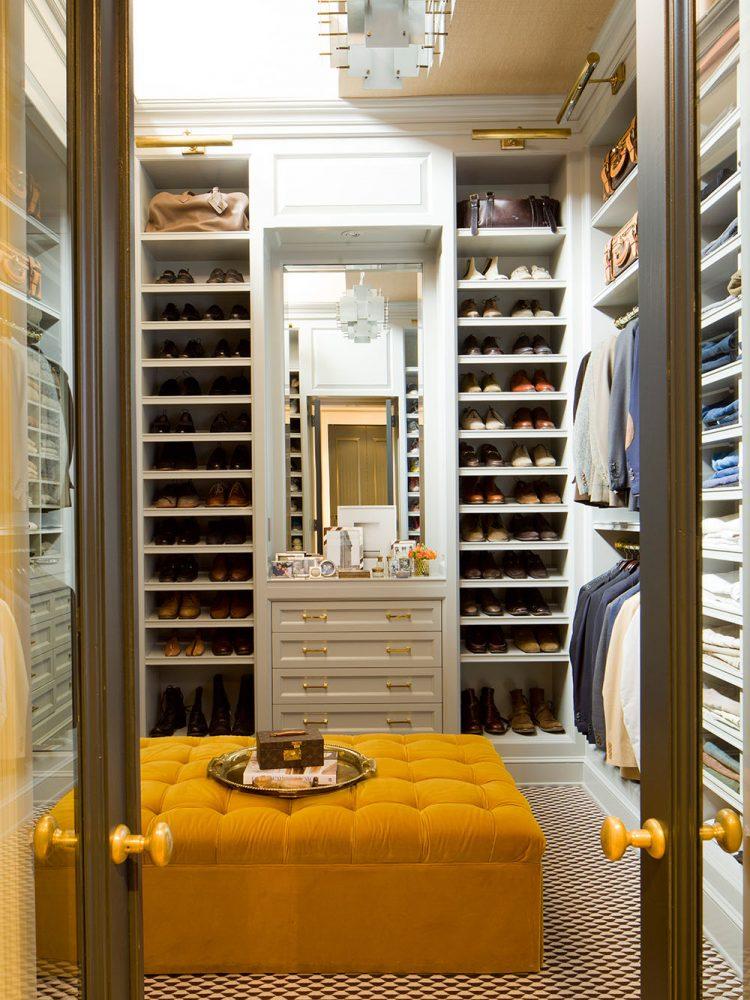 Small bedroom with walk in closet ideas - Walk in closet bedroom ...