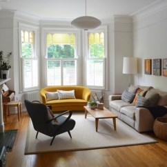 How To Decorate A Small Living Room With Sofa And Loveseat 2 Seater Dimensions In Inches 50 Cool Bay Window Decorating Ideas - Shelterness