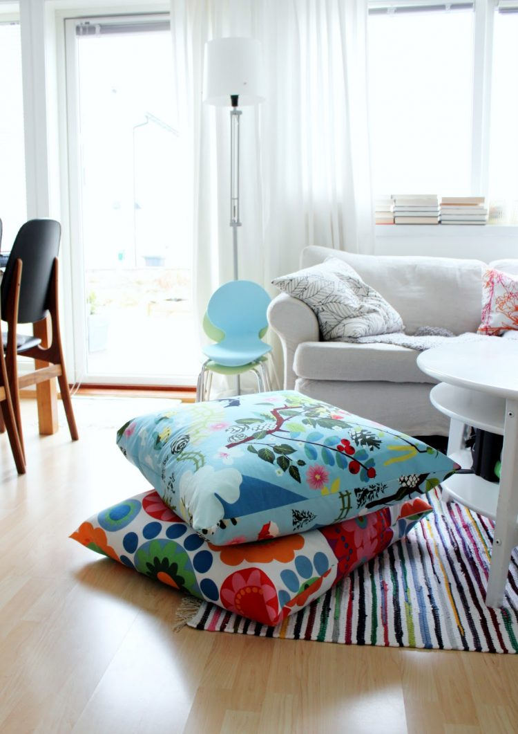 cushions living room diy canvas art 57 cool ideas to decorate your place with floor pillows shelterness you can big using ikea fabric