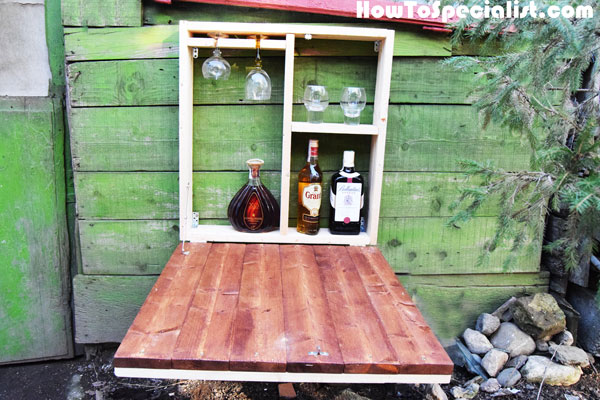 9 Cool DIY Outdoor Murphy Bars For Refreshing Outside