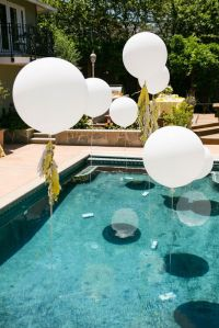 24 Decorations That Will Make Any Pool Party Awesome ...