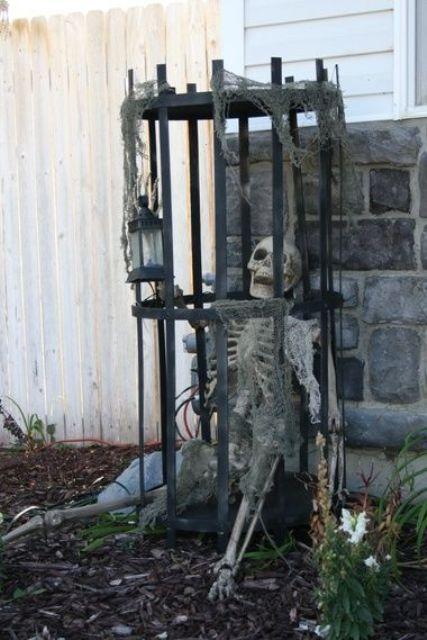 28 Scary Outdoor Halloween Dcor Ideas