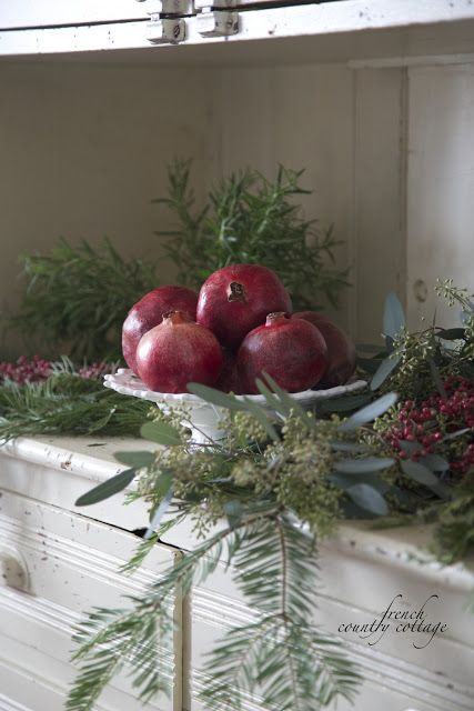 21 Pomegranate Fall Decorations To Infuse Your Dcor With Color  Shelterness