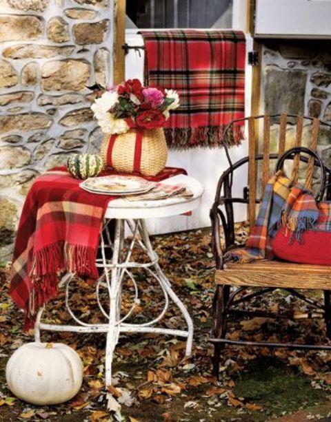 buffalo plaid chair shark bean bag 25 fall décor ideas for a cozy touch - shelterness