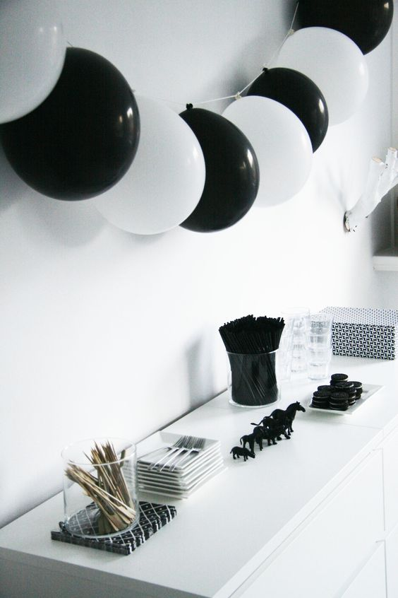 26 timeless black and white party ideas