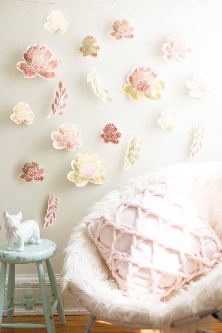 DIY paper flower wall (via www.flaxandtwine.com)
