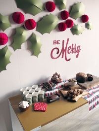 22 Simple Holly Berry Christmas Dcor Ideas - Shelterness