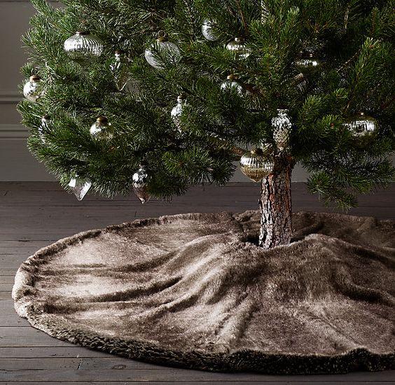 24 Cozy Faux Fur Christmas Dcor Ideas  Shelterness