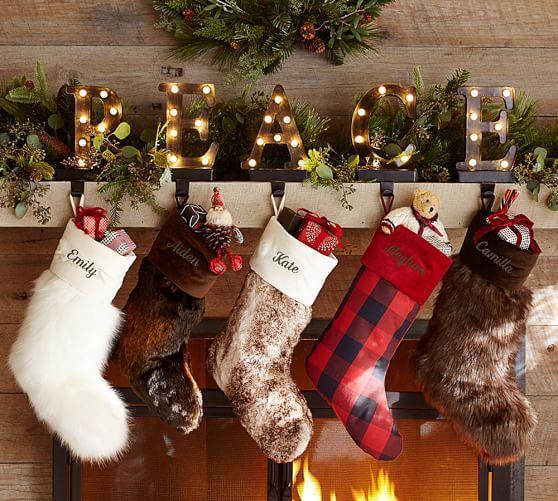 buffalo plaid chair desk leather wood 24 cozy faux fur christmas décor ideas - shelterness
