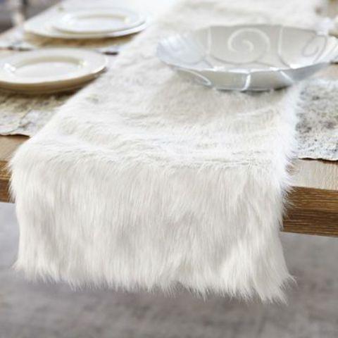 burlap chair covers farmhouse plans 24 cozy faux fur christmas décor ideas - shelterness