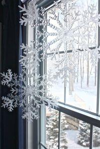 26 Creative Snowflake Decorations That Inspire