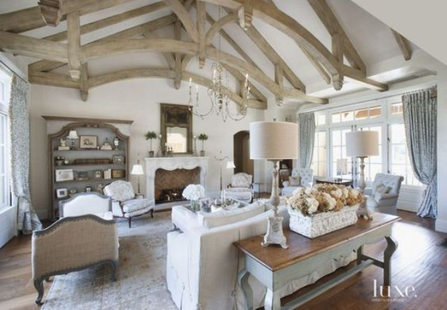 15 French Country Living Room Décor Ideas