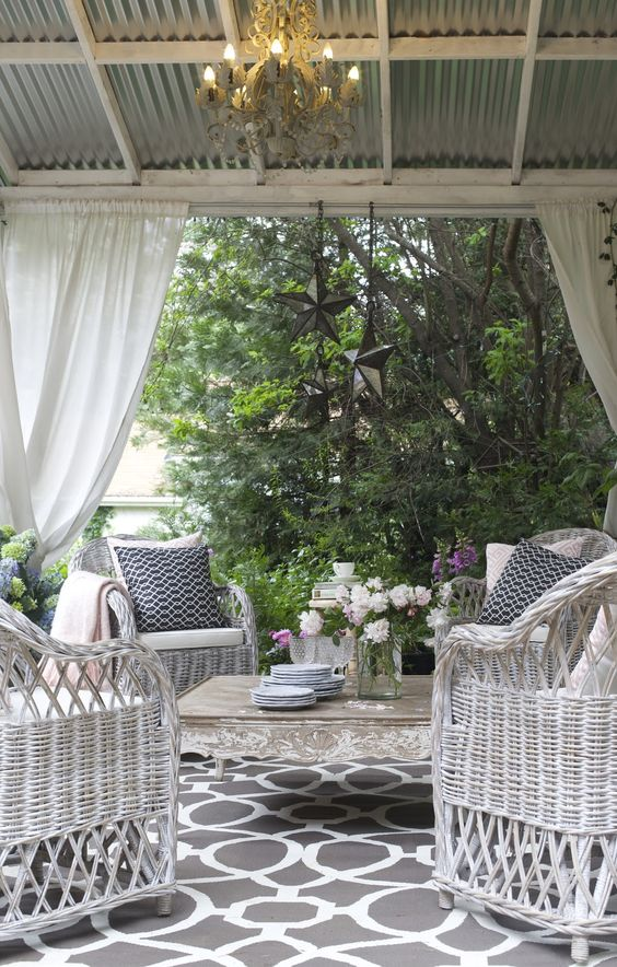 antique white dining chairs chicco high chair cover 20 chic french country terrace décor ideas - shelterness