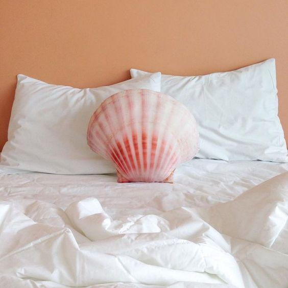 20 Gorgeous MermaidInspired Home Dcor Ideas  Shelterness
