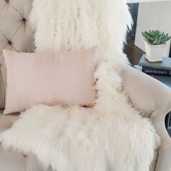 Faux Fur Chair Cover Desk West Elm 15 Home Decor Ideas To Cozy Up The Space - Shelterness