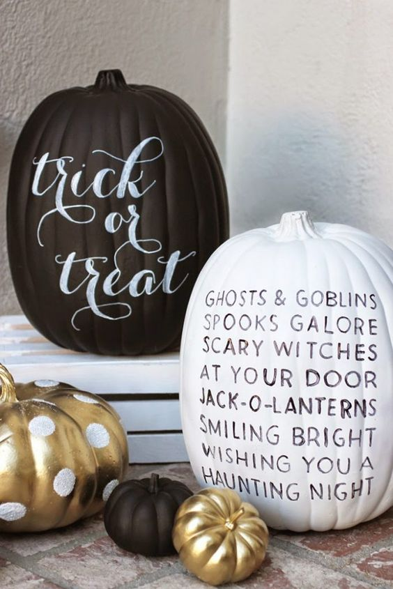 15 Refined Black And Gold Halloween Decor Ideas  Shelterness