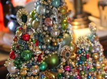 amazing jewelry trees of old jewelry, beads and Christmas ornaments